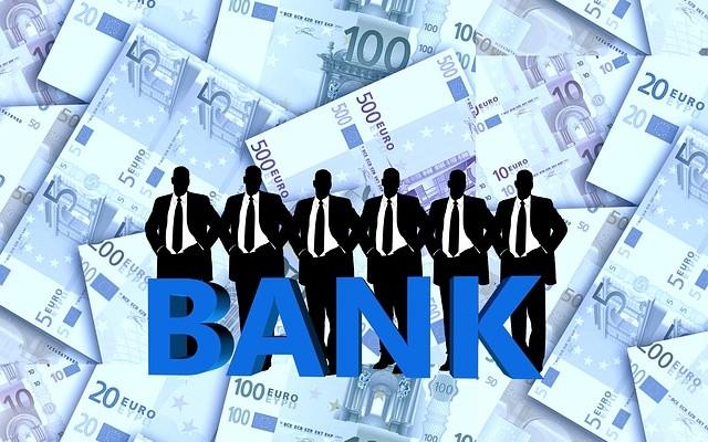 Banky i další poskytovatelé půjček mají k registrům volný přístup